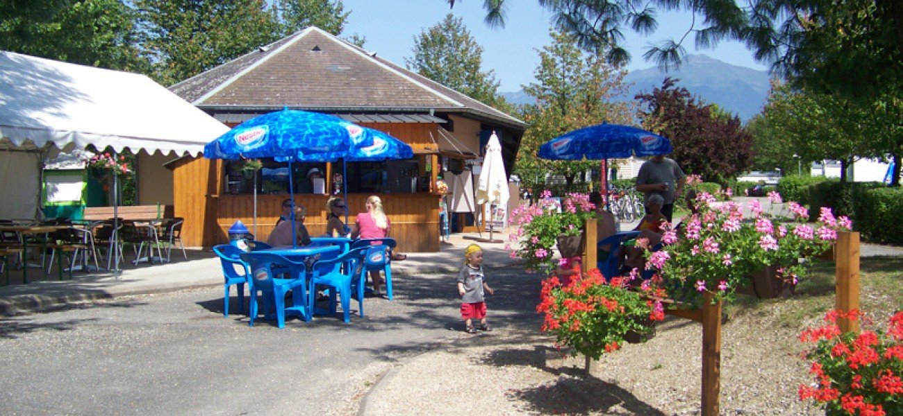 campsite in savoie - Lac de carouge - Snack terrace