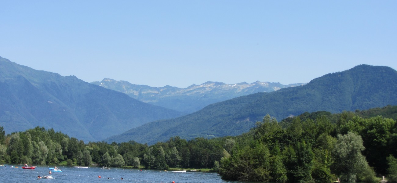 Camping in the Alps - The lake and the Belledonne massif