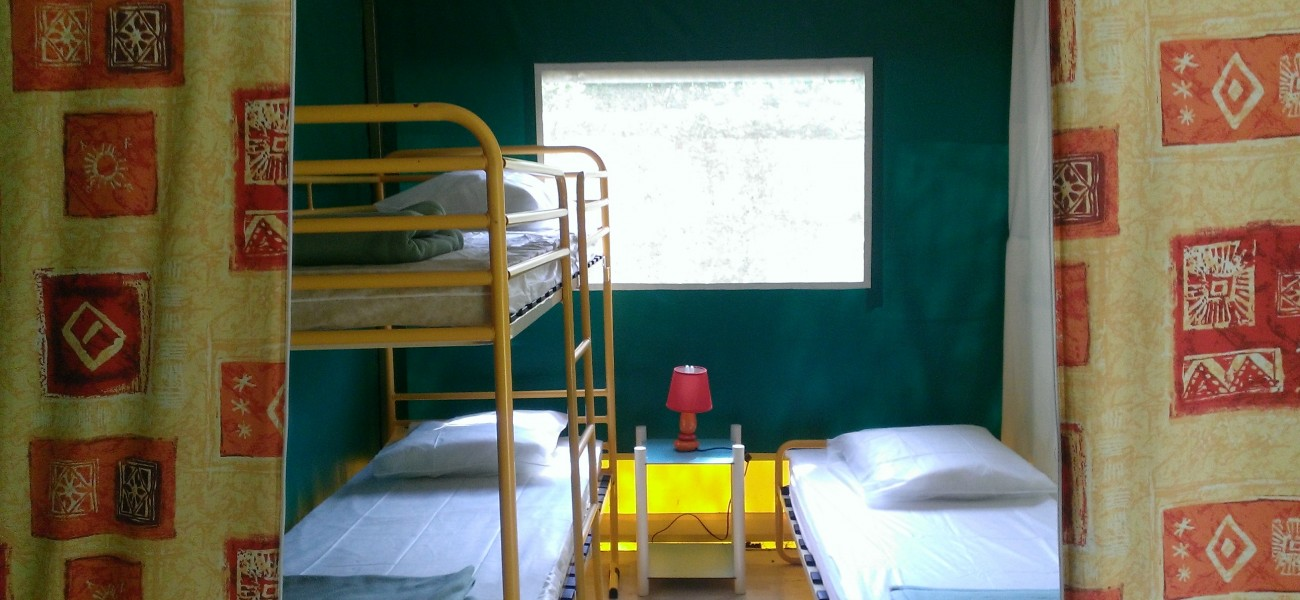 Canvas bungalow child room 7 people Camping Lac de Carouge